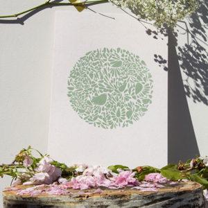 A4-papierivoire-constellationdepetalesenrond-vert